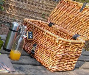 panier de petit déjeuner en osier