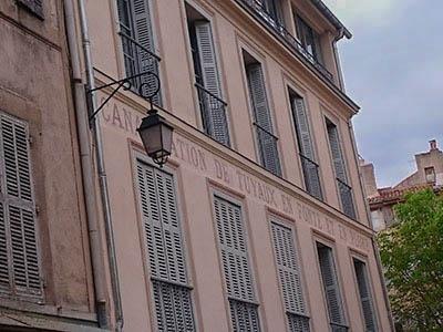 Bâtiment canalisation de tuyaux en fonte - Aix en Provence