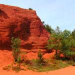 Le Colorado Provençal au coeur des anciennes carrières des ocres du Lubéron
