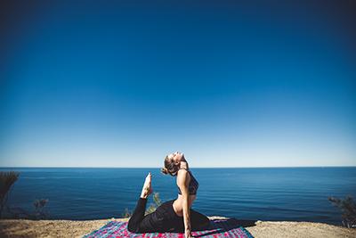 yoga en bord de mer