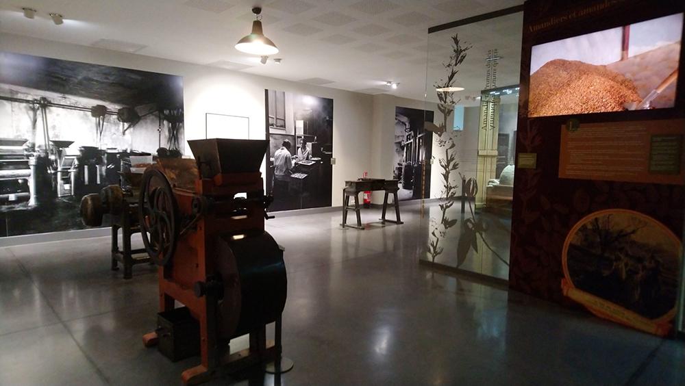 musée du calisson : ancienne machine à concevoir les calissons